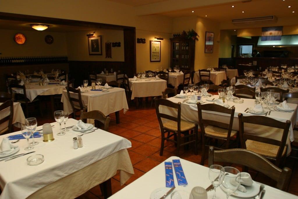 Interior Restaurante El Rancho Asador Argentino
