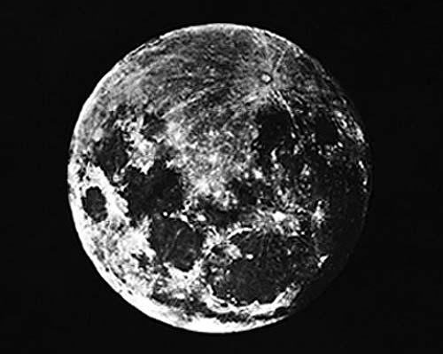 La primera fotografía de la Luna