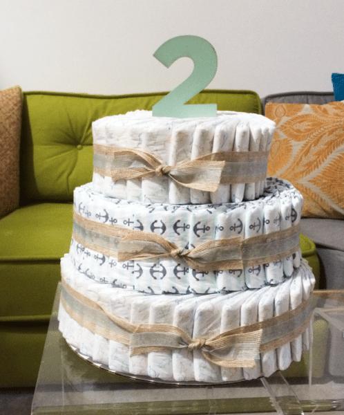 pastel hecho con pañales de bebe