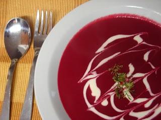 Sopa de remolacha fría