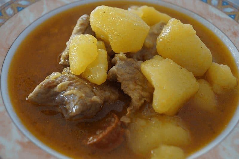 Estofado de patatas con carne