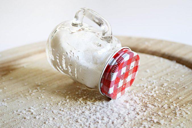 se puede quitar las manchas con sal