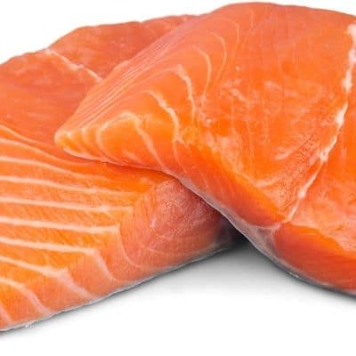 Los gatos pueden comer salmón