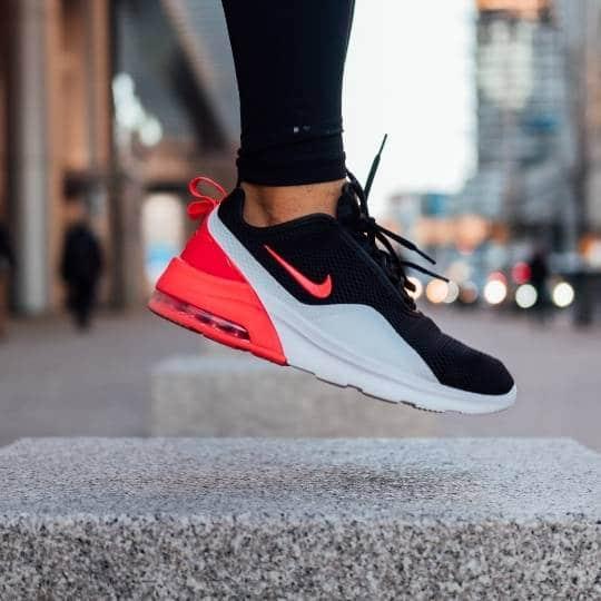 Marcas de zapatillas que definen la cultura del calzado urbano